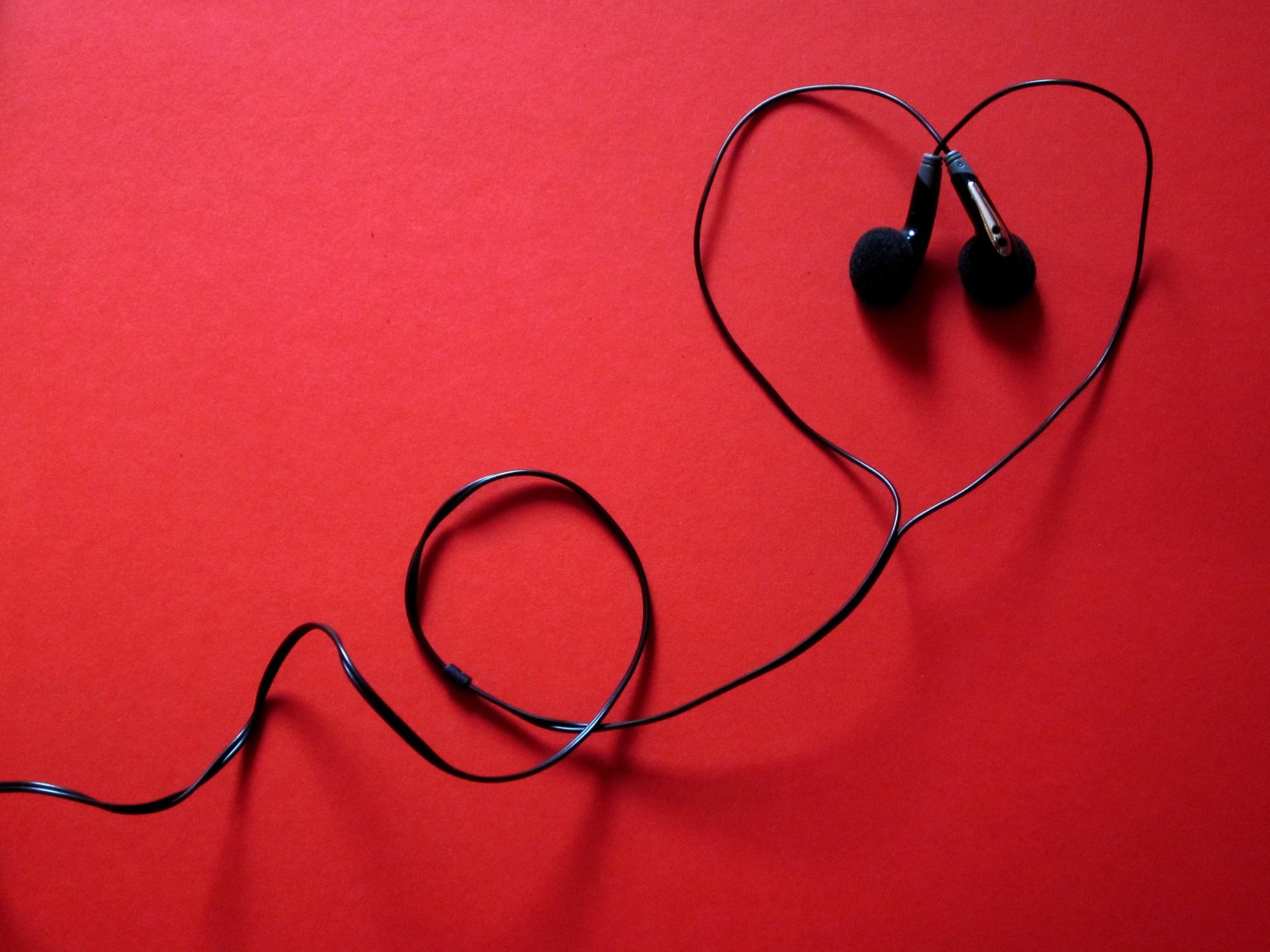 headphones-424163_1920 (1)